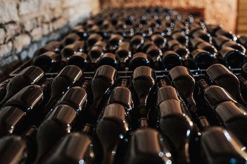 Château de Garnerot - Vendanges 2019 - En cave les bouteilles sont pleines - Œnotourisme